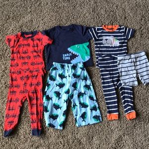 Carter 18 month pjs 3 pairs